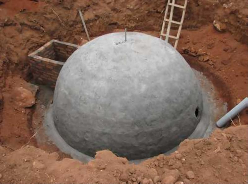 Gobas Gas Plant Fixed Dome Deenbandhu Model in Biosphere Ecosystem of Nilgiris   at Acres Wild Cheesemaking Farmstay, Coonoor, India